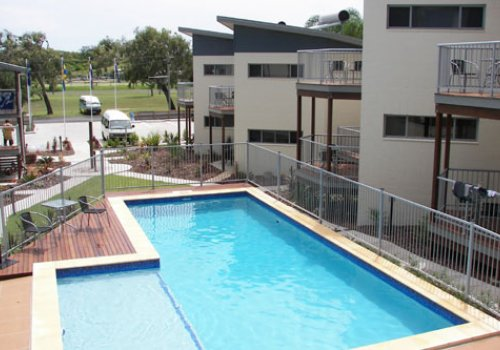 ROCKHAMPTON / Emus Beach Resort